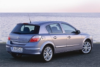 Opel Astra H 5d-32