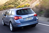 Opel Astra J Sports Tourer-33